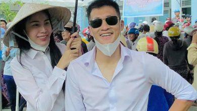 Photo of Mặc cảnh báo nguy hiểm từ cơn bão số 9, Thủy Tiên và Công Vinh trở lại miền Trung cứu trợ