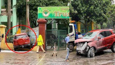 Photo of Hà Nội: Ô tô lao thẳng vào cổng trường mầm non, húc đổ hàng rào sắt