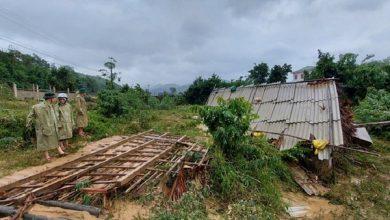 Photo of Lũ dữ cuốn trôi nhà, vợ chồng nghèo không đủ 200.000 đồng trả tiền học cho con