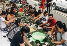 """Photo of Người Sài Gòn trắng đêm gói 5.000 bánh chưng, bánh tét gửi bà con vùng lũ, tiếp sức cho """"khúc ruột"""" miền Trung"""
