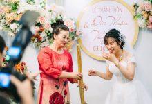 Photo of Ngay trên sân khấu hôn lễ, mẹ chồng trao cho con dâu cây chổi quét nhà và lời tiết lộ bất ngờ từ chính chú rể