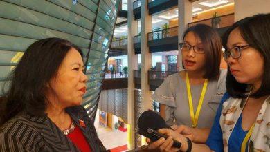 Photo of Chủ tịch Hội Chữ thập đỏ Việt Nam: Việc làm của ca sĩ Thuỷ Tiên không phạm luật