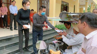 """Photo of Lý Hải – Minh Hà bị nói """"làm màu lấy lòng thương"""" khi đi từ thiện: Sự thật ra sao?"""