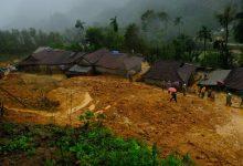 Photo of Hàng ngàn khối đất đá đổ sập, cả làng bỏ chạy trong đêm