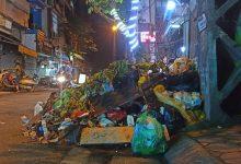 """Photo of Hà Nội: Phố Yên Phụ ngập rác cả tuần không được thu gom, người dân như sống trong """"ác mộng"""""""