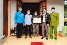 Photo of Quảng Ninh: Khen thưởng đột xuất 2 gia đình hoãn đám cưới để phòng chống dịch COVID-19