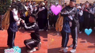 Photo of Quỳ xuống cầu hôn bạn gái ngay giữa sân trường, nam sinh nhận về nhiều ý kiến trái chiều
