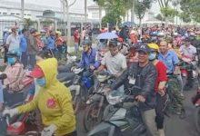 Photo of Tết Nguyên đán thưởng bằng một nửa năm ngoái, hơn 1.000 công nhân ngừng việc tập thể