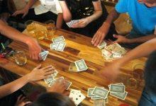 Photo of Đen tình đỏ bạc là có thật: Thanh niên đi đánh bài tết toàn thắng, ăn hết tiền của bố người yêu mà không biết