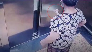 Photo of Thót tim xem cảnh bé trai mắc kẹt cả bàn tay trong cửa thang máy, đáng chú ý là cách xử lý sai lầm của người lớn