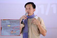 Photo of Hoài Linh gây tranh cãi vì giấy nhận quà từ thiện gửi người dân miền Trung: Là đại diện MTQ hay tiền túi?