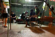 Photo of Xúc động hình ảnh lực lượng gác chốt chống dịch ở Hà Tĩnh lội nước ăn cơm tại lán dã chiến dựng tạm