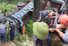Photo of Hàng chục người giải cứu tài xế bị mắc kẹt trong xe tải biến dạng
