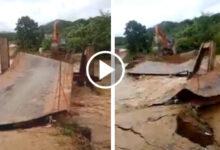 Photo of Clip: Cận cảnh khoảnh khắc lũ lớn cuốn phăng cả cây cầu ở Thanh Hóa