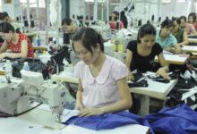 Photo of TP.HCM chính thức chi gói 886 tỷ đồng hỗ trợ COVID-19: Lao động nữ đang mang thai được thêm 1 triệu đồng